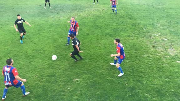El Yeclano golea 5-1 al Bala Azul