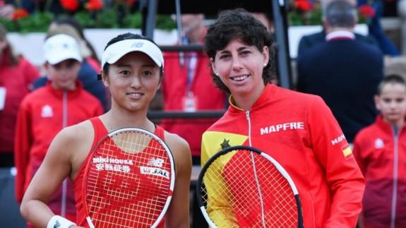 Carla Suárez vence a Misaki Doi y da la segunda victoria para España en La Manga