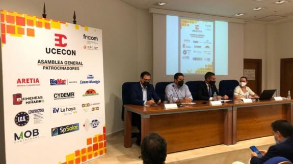 TARDE ABIERTA. Juan Francisco García Mula ha sido reelegido presidente de la UCECON