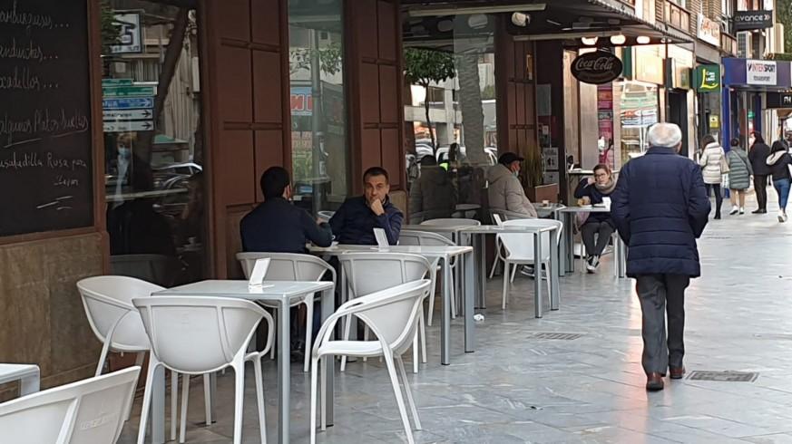 Terraza en un negocio de hostelería en Murcia