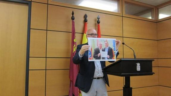 Eduardo Martínez Oliva durante la rueda de prensa. EP