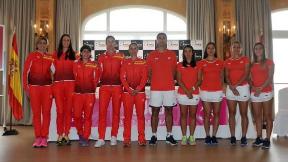 Equipos de España y Paraguay de FED CUP (foto: RFET)