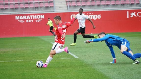 Un Murcia revitalizado merece más en Sevilla (1-1)
