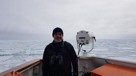 Emilio Regodón en el Hespérides. Armada