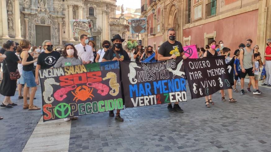 SOS Mar Menor se lanza a la calle para alcanzar las 500.000 firmas de la ILP