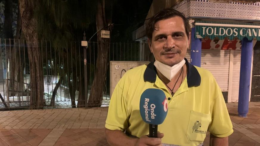 Jose Ángel Gil, trabajador de la empresa de recogida de basura en Archena