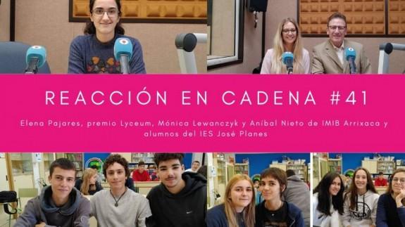 Elena Pajares, Mónica Lewanczyk, Aníbal Nieto y alumnos del IES José Planes