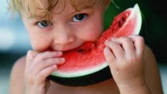 VIVA LA RADIO. Aprenda a comer de manera saludable. Combatir el calor... puede ser una actividad placentera
