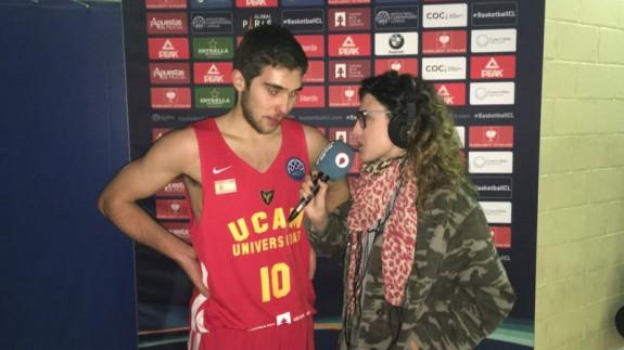 Emilio Martínez entrevistado por Olga Lorente tras su debut (foto: ORM)