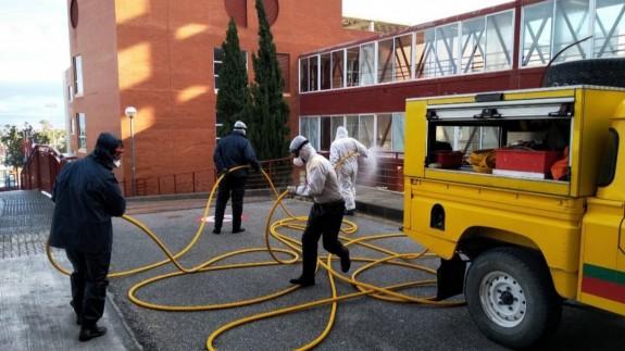 Brigadas Forestales en labores de limpieza en la Arrixaca.