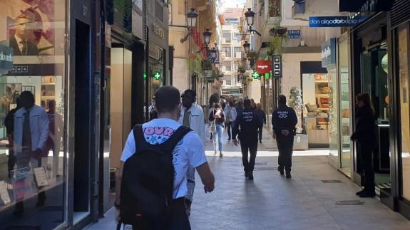 Una patrulla de la Policía Local por las calles de Murcia.