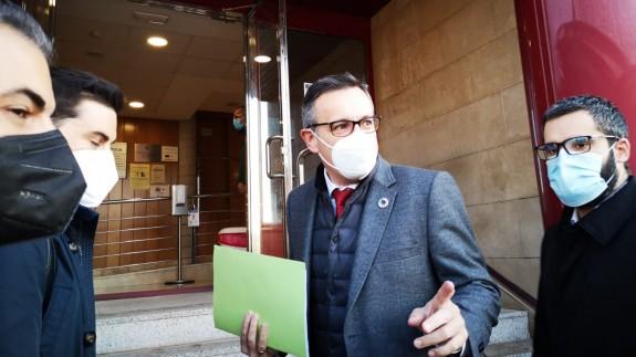 Diego Conesa a su llegada a los juzgados