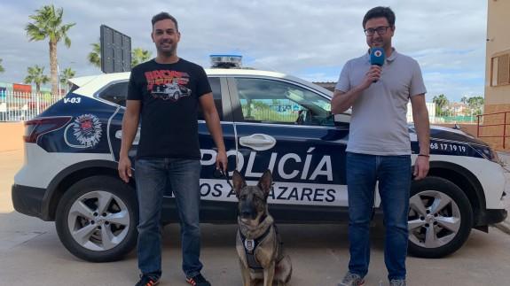 Megan junto al agente Pedro Valero y al concejal de Seguridad Ciudadana, Pedro José Sánchez