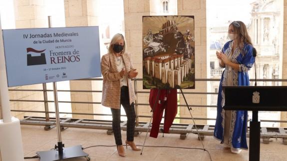 La concejala de pedanías, Ainhoa Sánchez y la Zaida 2021. AYUNTAMIENTO MURCIA