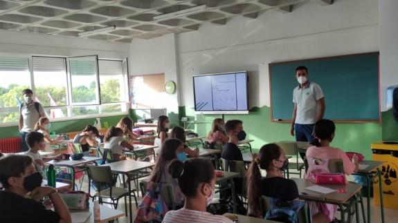 PLAZA PÚBLICA. Regresan 3.400 alumnos de infantil y primaria a las aulas de los 12 centros educativos de Yecla