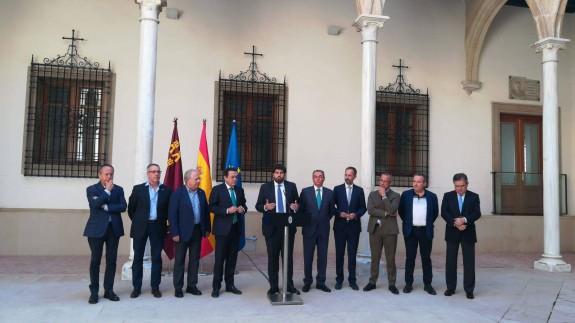 Los representantes empresariales y sindicales han sido recibidos por el presidente de la Comunidad