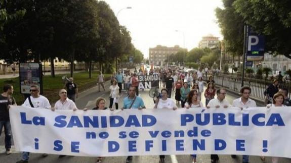 fotografía de la Marea Blanca en una manifestación.