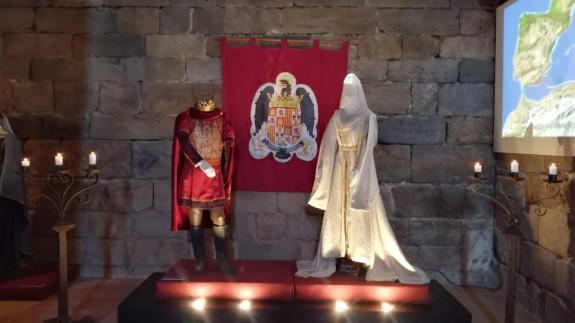 MURyCÍA. Exposición de trajes de la serie Isabel en Cartagena