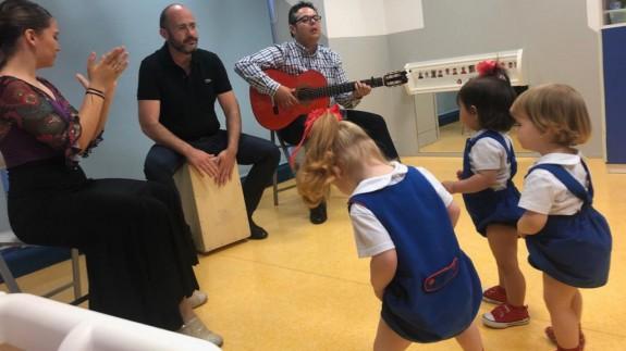 Curro Piñana hizo bailar a los peques de 'Nice Day'