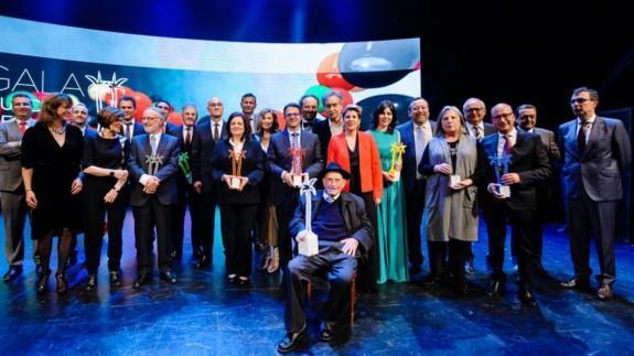 PLAZA PÚBLICA. V Premios Fénix 7TV Región de Murcia, para reconocer personas y entidades que han destacado en su campo