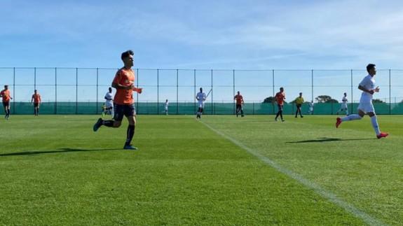 Partido de entrenamiento entre el Real Murcia y el Dalian Pro