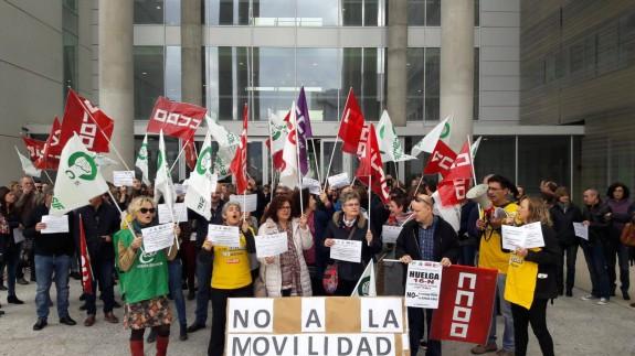 Continúan las protestas de los funcionarios de Justicia, previas a la huelga que han convocado para el 16 de noviembre