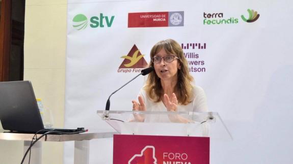 Maite Mendioroz, durante su intervención en el Foro Nueva Murcia
