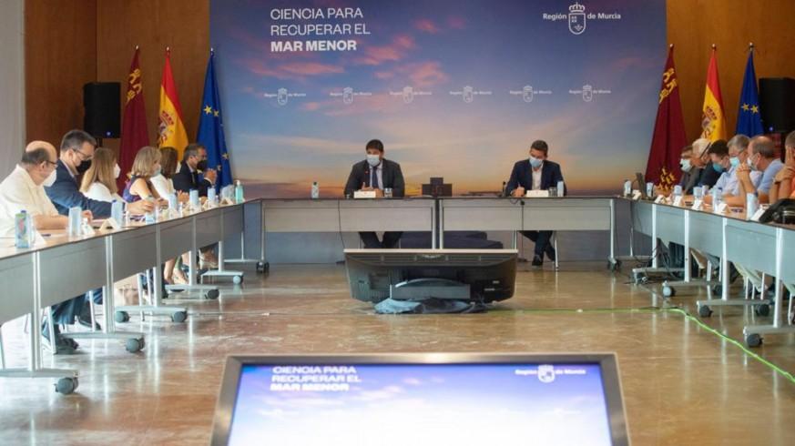 Reunión del foro 'Ciencia para recuperar el Mar Menor'. Foto: CARM