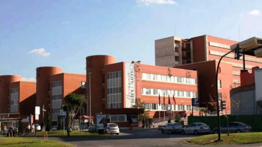 Realizan con éxito en La Arrixaca la primera operaciónpara que una mujer tratada de cáncer de útero mantenga su fertilidad