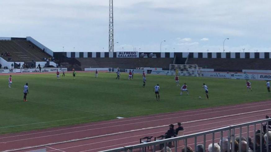 El Real Murcia empata sin goles ante el Linense