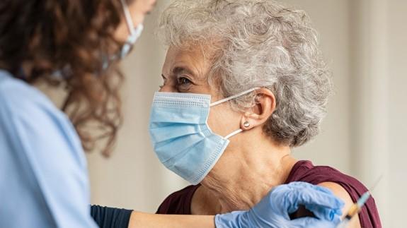 Vacunación contra la covid-19. Foto: SATSE