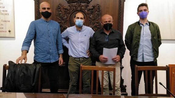 TARDE ABIERTA. IU denuncia la situación laboral de los trabajadores agrícolas en el Valle del Guadalentín