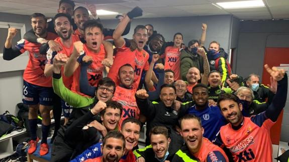 Los jugadores del Yeclano celebran la victoria en la Copa del Rey