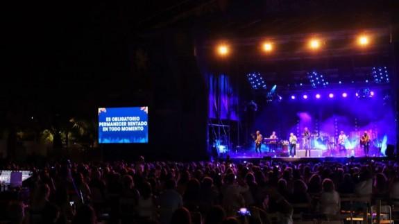 Sergio Dalma pide disculpas por incitar al público a levantarse durante el concierto