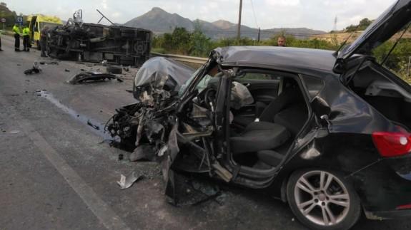 Imagen de los vehículos accidentados. Fuente: 112