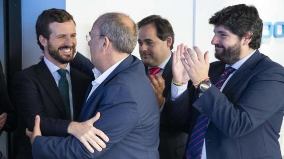 Miras, a la derecha, en la reunión del Comité Ejecutivo Nacional