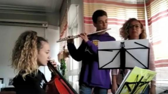 Blanca, Javier y Nuria en su casa