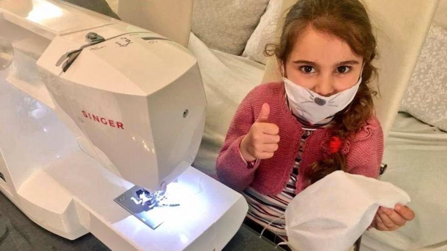 VIVA LA RADIO. Hoy conocemos a la voluntaria más joven en la fabricación de mascarillas