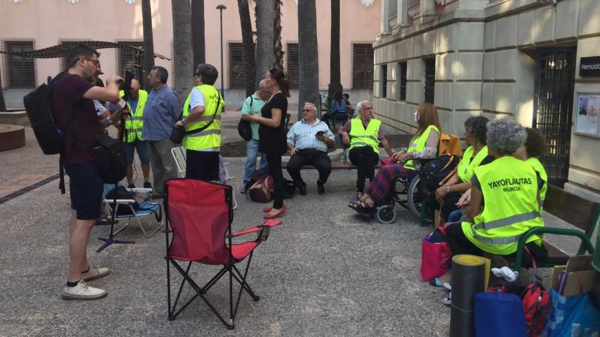 Los 'yayoflautas' toman el patio de La Merced de la Universidad de Murcia
