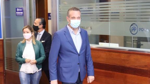 Joaquín Segado, Mª Dolores Valcárcel y Ramón Sánchez-Parra, en la rueda de prensa