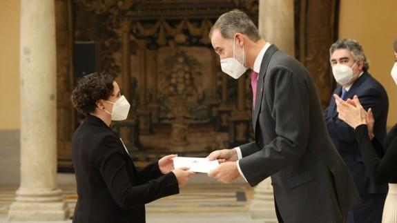 Ana Carrasco con el Rey Felipe IV. FOTO: Casa Real.
