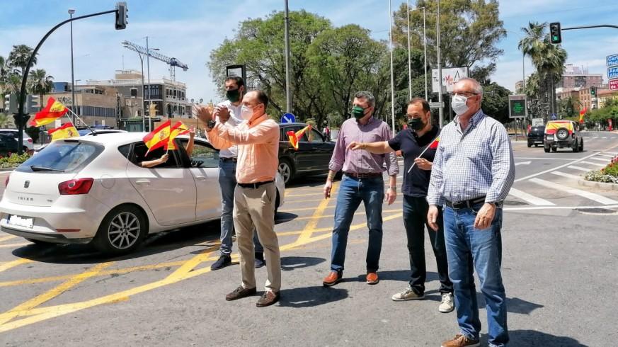 Vox Murcia apoya la suspensión de militancia de tres de sus diputados regionales