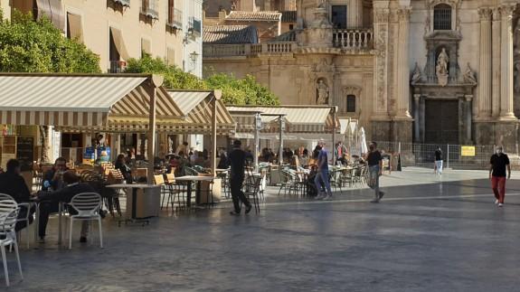 Terrazas en el centro de Murcia antes del cierre del sector