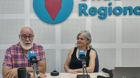 Aniceto Roca y Paca García son la compañía de Títeres Los Claveles