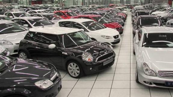 Concesionario de coches. BOLSAMANÍA