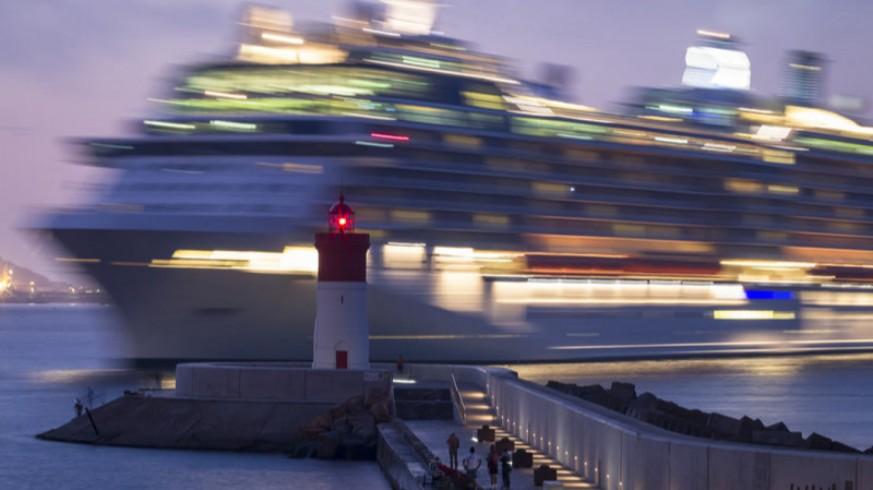 Crucero en el faro de Navidad de Cartagena