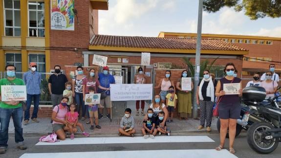 Protesta en el colegio Azorín de Cartagena. CEDIDA