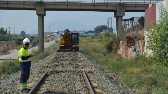 Comienza a desmontarse la línea ferroviaria de Murcia a Águilas. Foto: Plataforma Pro Soterramiento