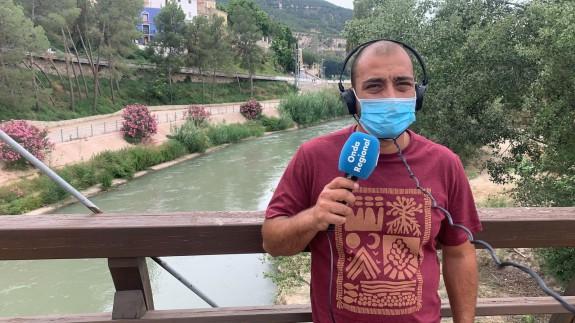 Jose María Buitrago en el Río Segura a su paso por Cieza. CLAUDIO CABALLERO