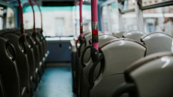 """NO ES UN VERANO MÁS. Antonio Torres, sobre la limitación al 50% de ocupación en vehículos: """"Prácticamente el sector del autobús se paraliza"""""""